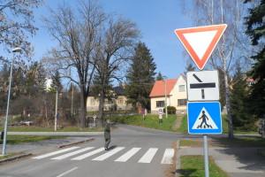ani na jednej križovatke nie je informácia o križovaní cyklistickej trasy