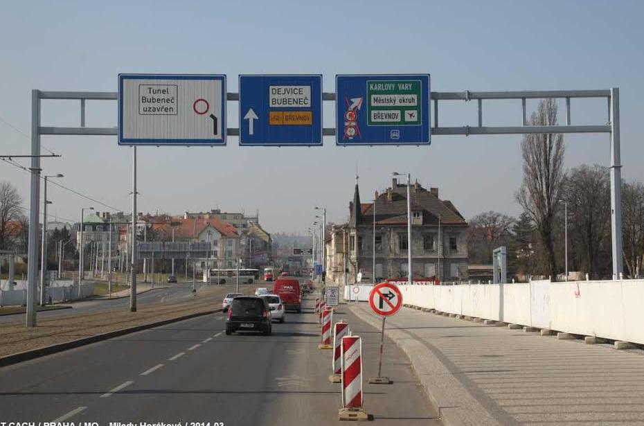 V Prahe nové integrované značenie na návestidlách.