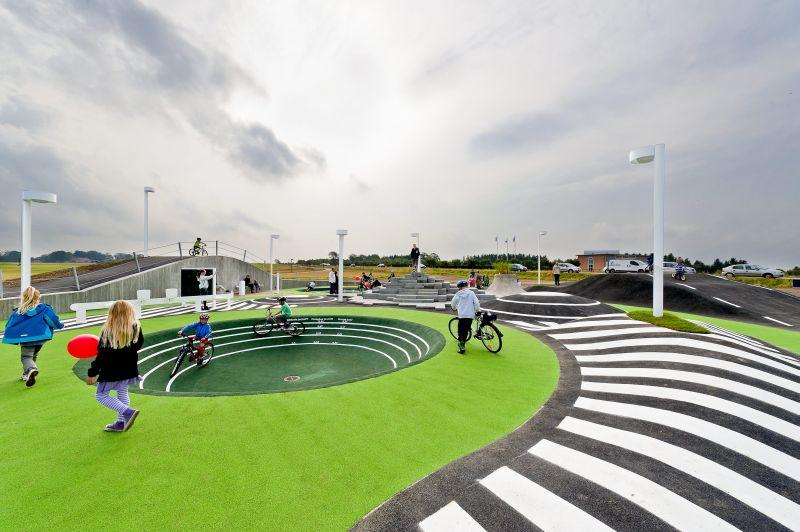 Dobrý príklad tvorby verejného priestoru v Kildebjerg Ry.