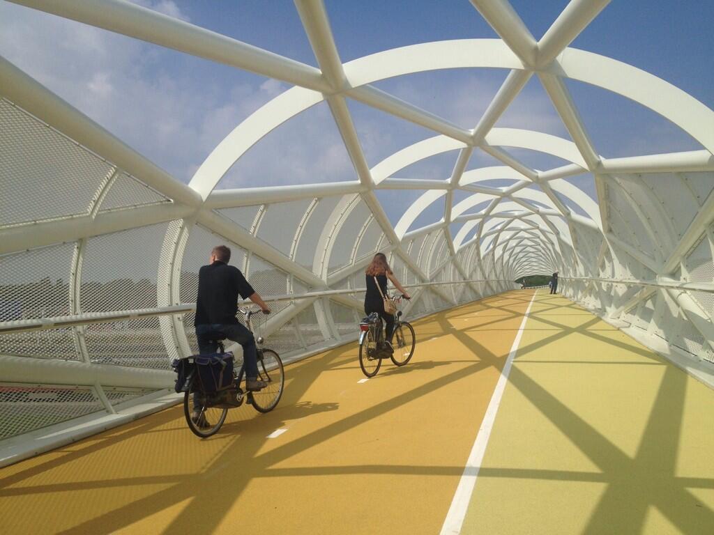 V Rotterdamme otvorili nový cyklomost