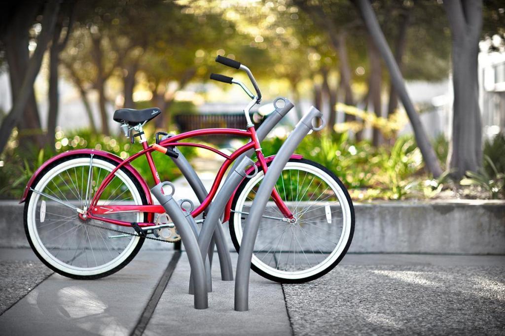 5.5.2_bike_garden_setting_4057_05152012_1