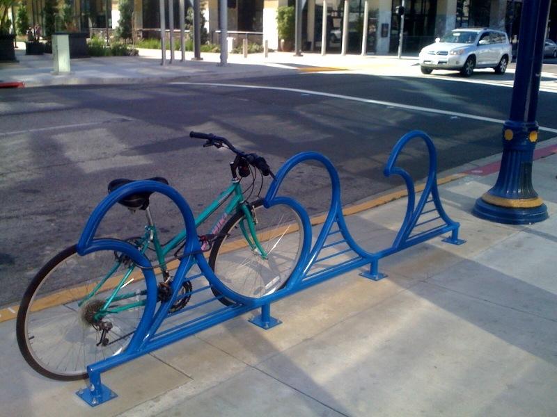 bike-rack-lb-wave