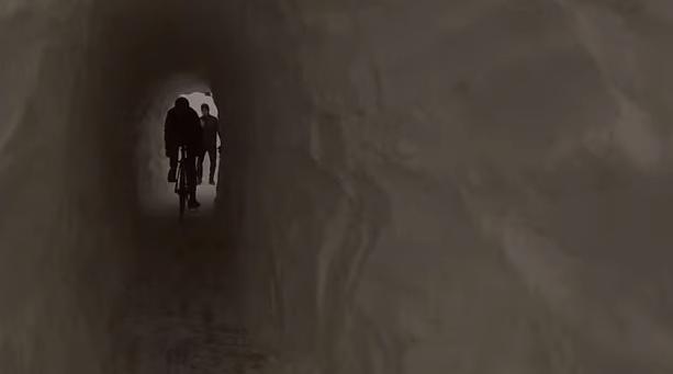 Bostonská cyklotrasa v snežnom tuneli