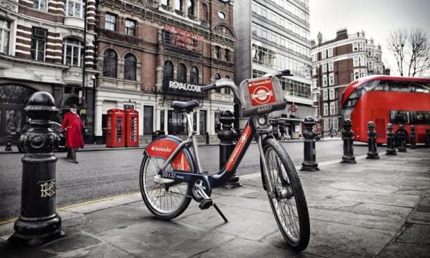 Barclay ukončila podporu bikesharingu v Londýne, pokračovať bude Santander