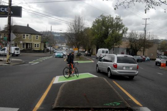 Portland zavádza ochranné čakacie plochy pre cyklistov