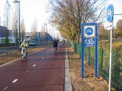 Cyklodiaľnica pri Twente láka cyklistov
