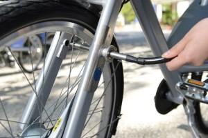 integrovaný zámok na bicykli
