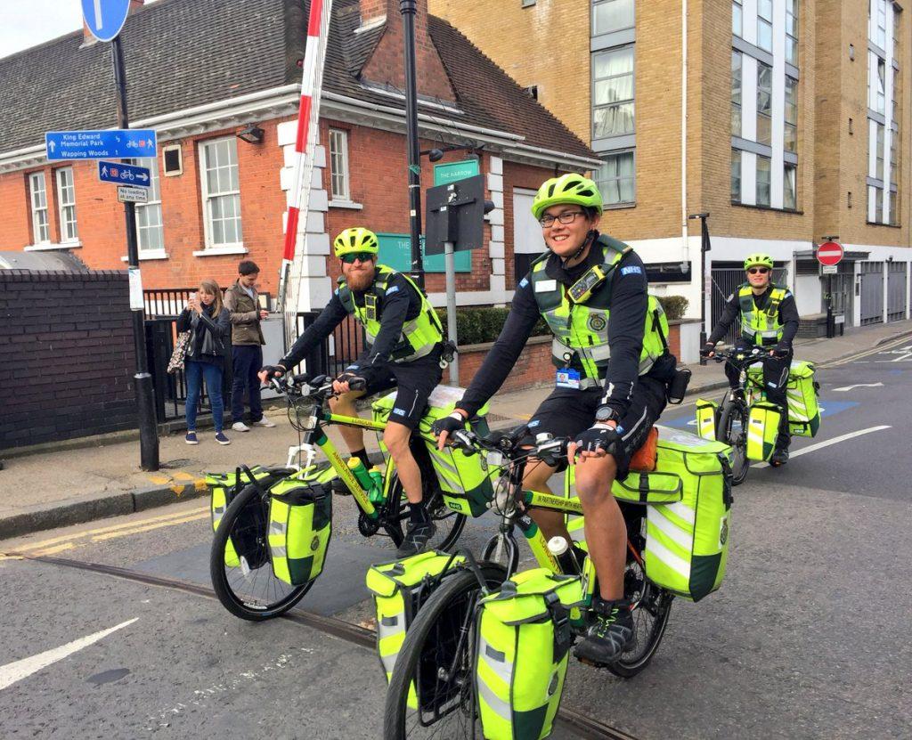 V Londýne fungujú cyklozdravotníci