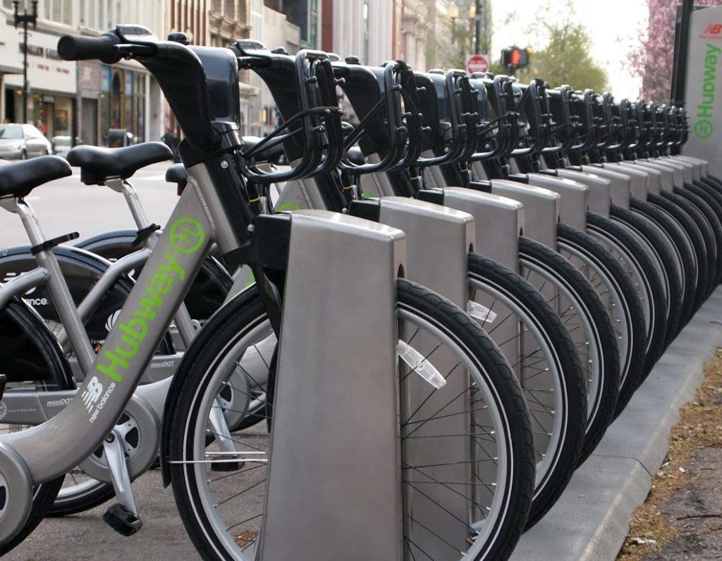 Švajčiarsko umožnilo bezplatný bikesharing v amerických mestách
