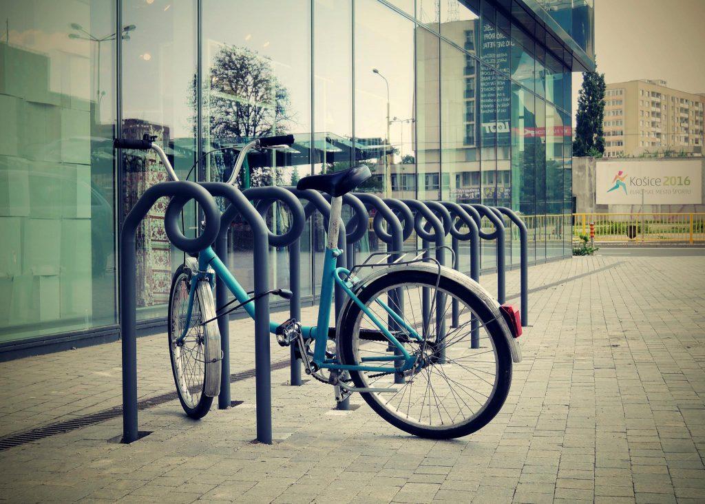 V Košiciach budú nové cyklostojany na parkovanie bicyklov