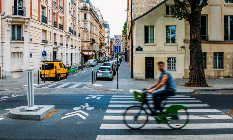 Paríž chce byť v roku 2024 100% cyklistický
