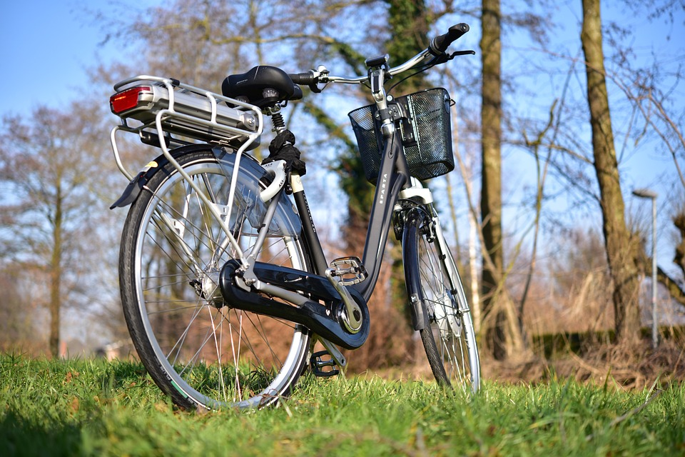 Holandsko umožňuje zamestnancom obstarať si elektrobicykel za 7 Euro mesačne