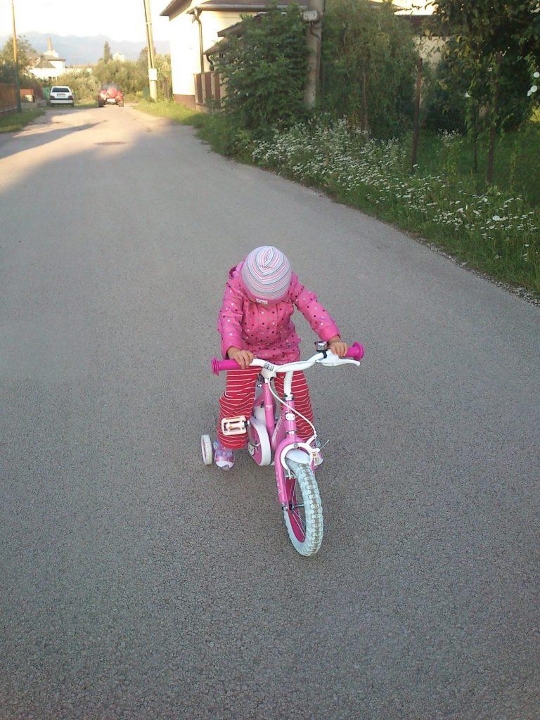 Bicykel pre každé dieťa: Nová digitálna brožúra čerpá z medzinárodnej inšpirácie