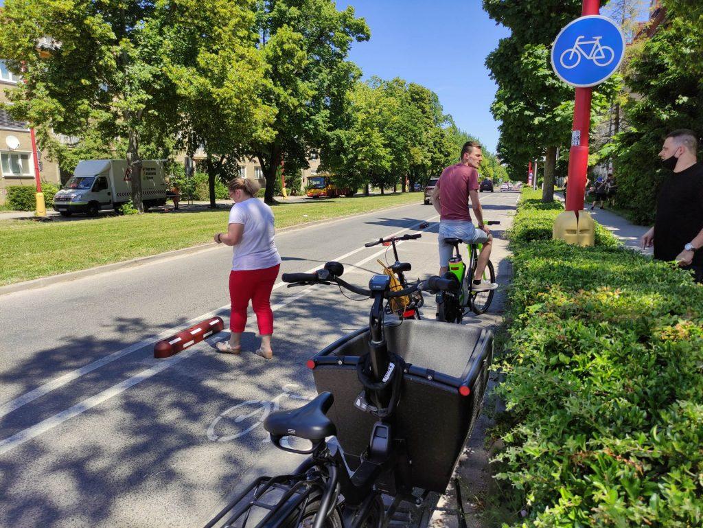 Trnava osadila segregačné prvky chrániace cyklistov od automobilov